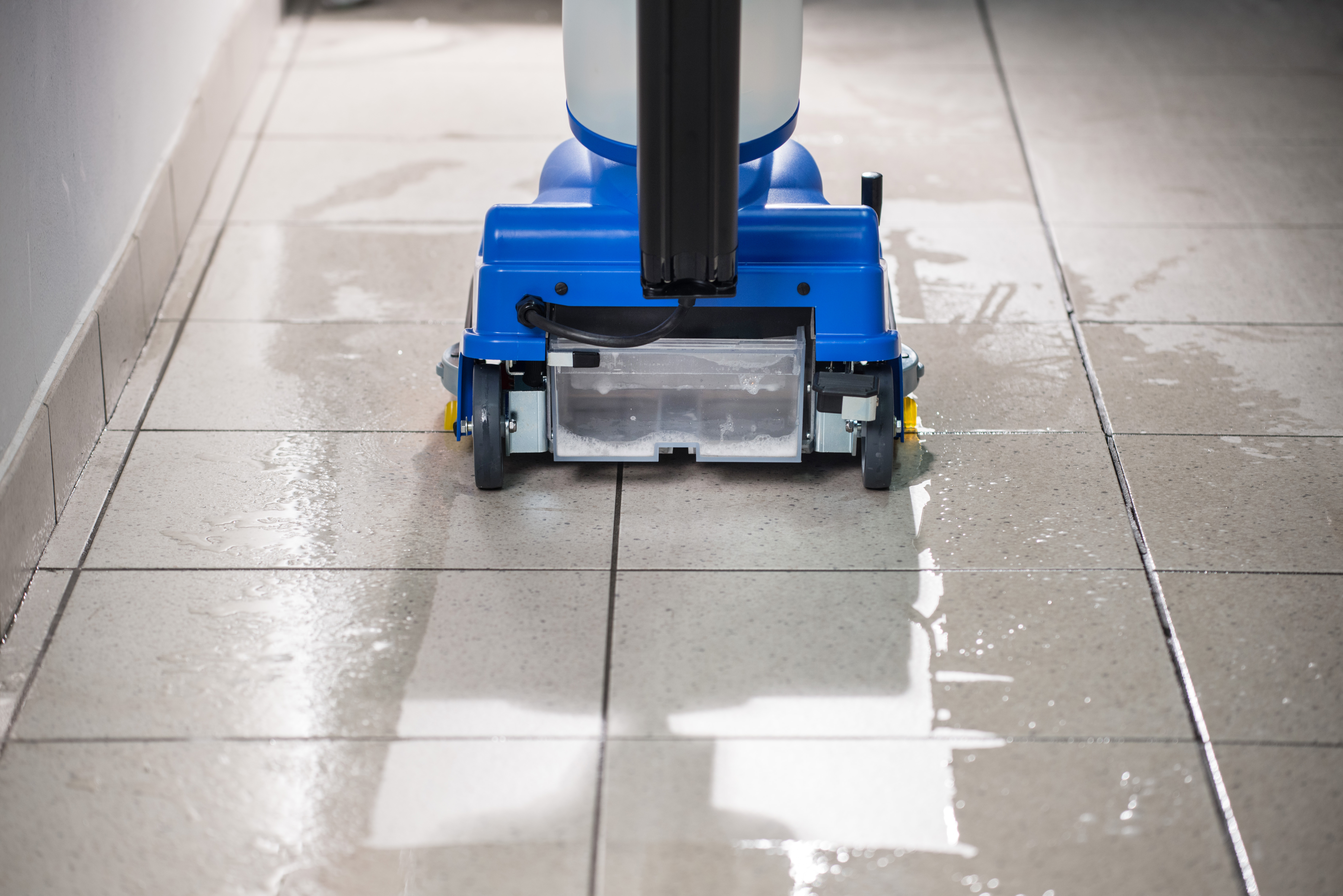 Scrubber dryer cordless scrubber floor scrubber floor cleaning the turbo 350 automatic floor scrubber dryer has a 4 ltr removable cleaning solution tank unlike most of its competitors it is fitted with a suction dailygadgetfo Choice Image